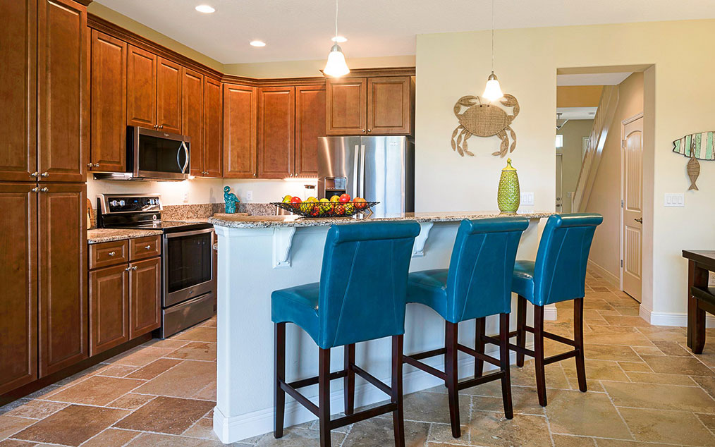 fully equipped kitchen in cape crossing townhome