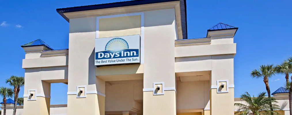 Front of Days Inn Orlando Airport