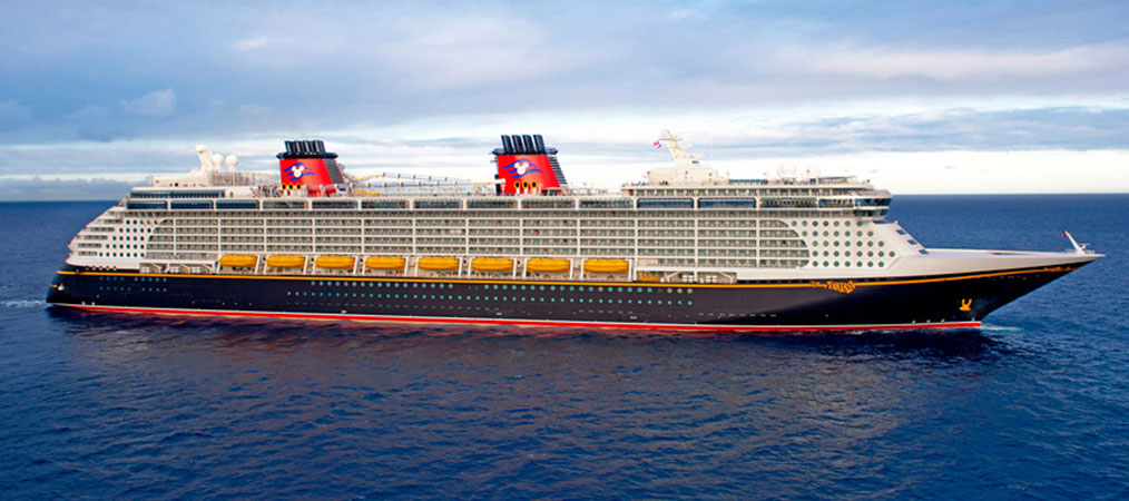 Disney Dream Cruise ship at sea