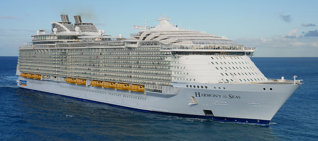 Harmony of the Seas cruise ship at sea