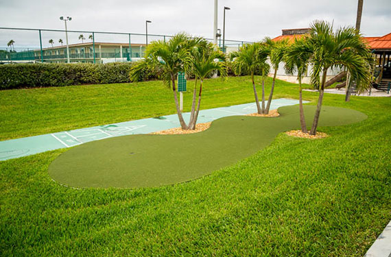 mini golf and outdoor games at Ocean Landings Cocoa Beach hotel'