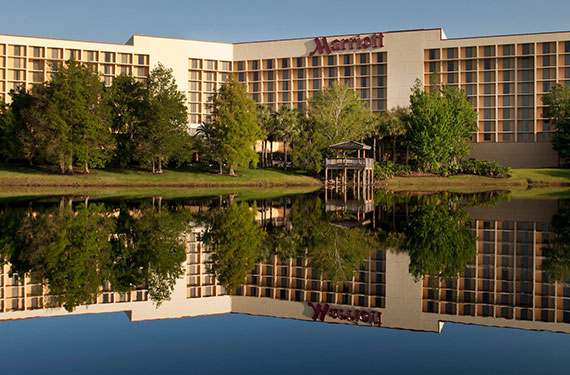 lakeside view of Marriott Lakeside Orlando Airport hotel exterior'